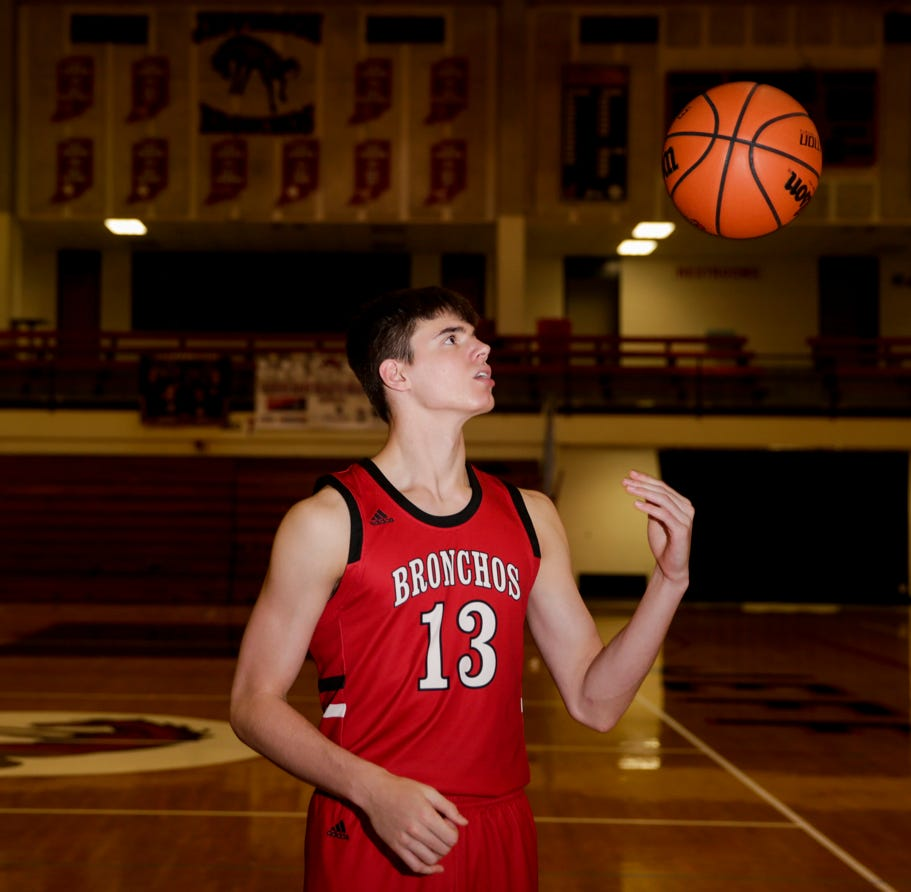Jeff's Brooks Barnhizer embraces transitions to earn J&C Big School Player of the Year