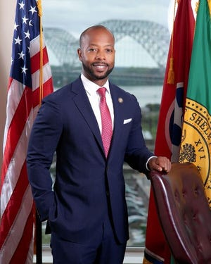 Shelby County Commissioner Mickell Lowery