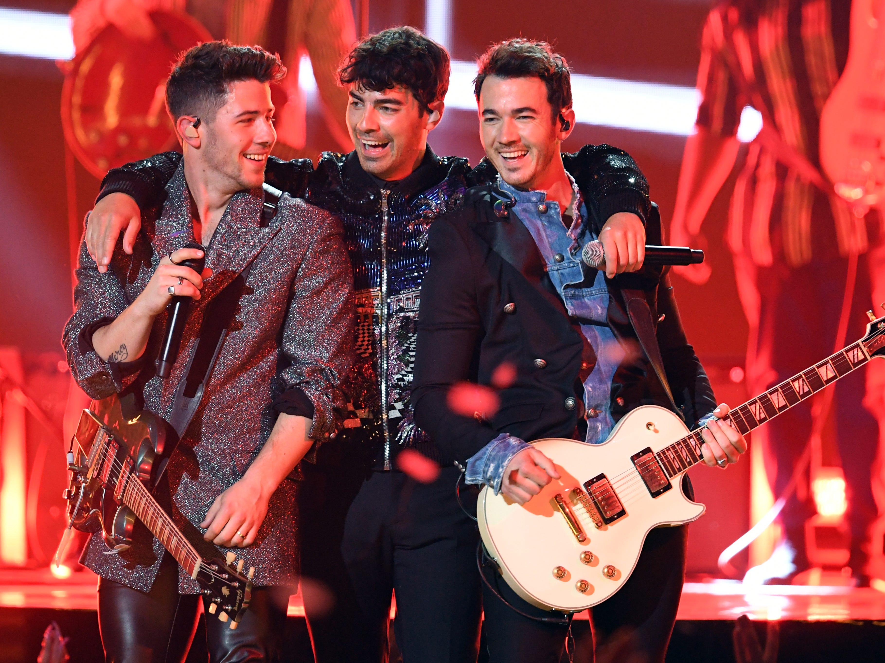 (L-R) Nick Jonas, Joe Jonas, and Kevin Jonas of Jonas Brothers perform onstage during the 2019 Billboard Music Awards at MGM Grand Garden Arena on May 01, 2019 in Las Vegas, Nevada.