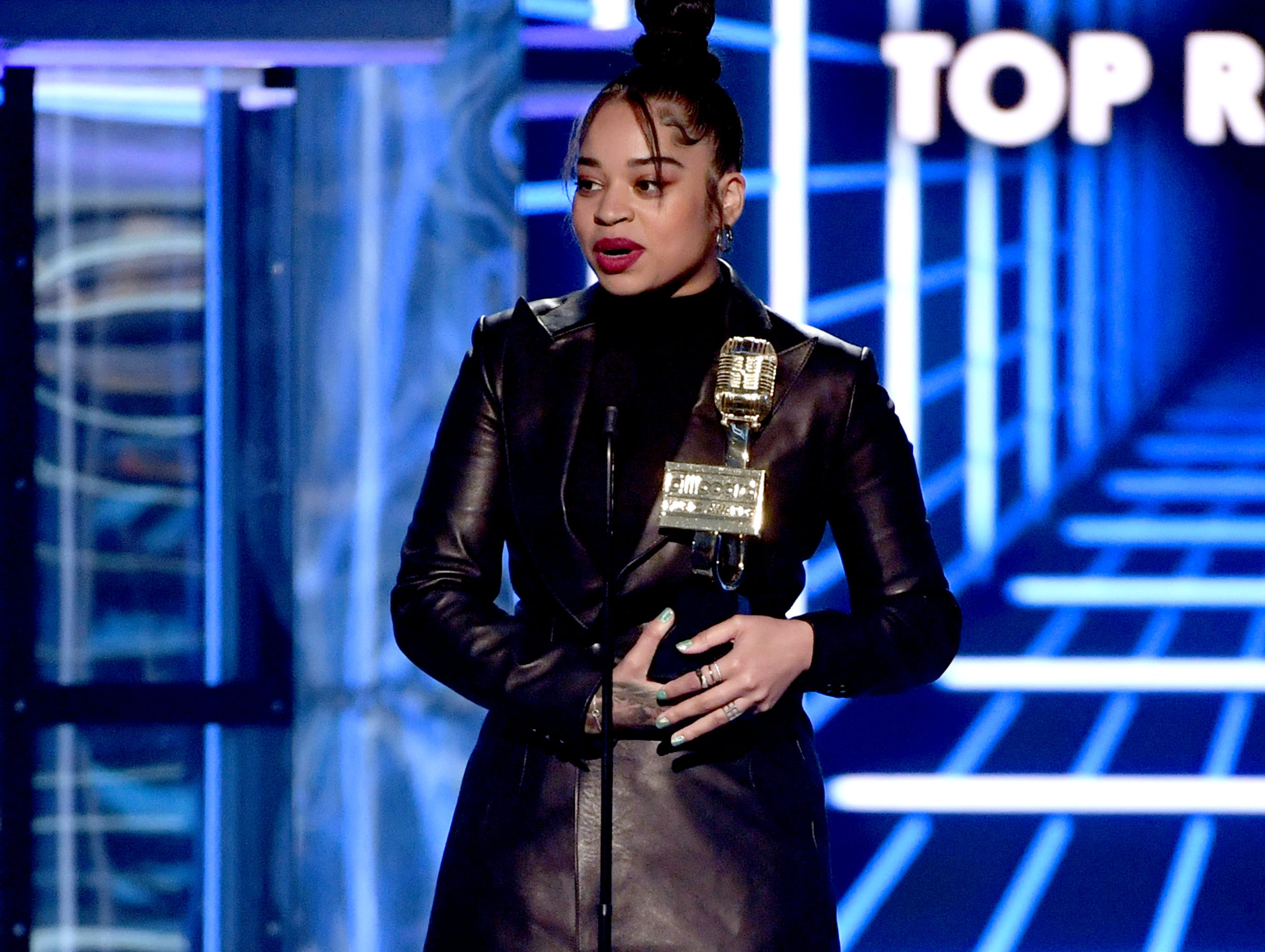 Ella Mai accepts the Top R&B Artist award onstage during the 2019 Billboard Music Awards at MGM Grand Garden Arena on May 01, 2019 in Las Vegas, Nevada.