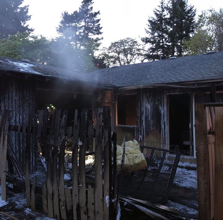 2-alarm apartment fire displaces 2 families in South Salem