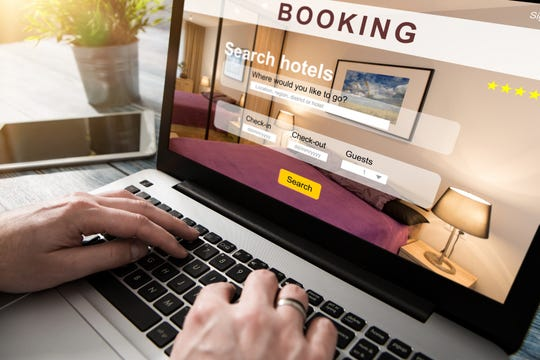 Online travel agencies offer a lower hotel rate in exchange for giving up your right to cancel the room. Use these online sites only if you are absolutely, positively sure you'll be using the room.