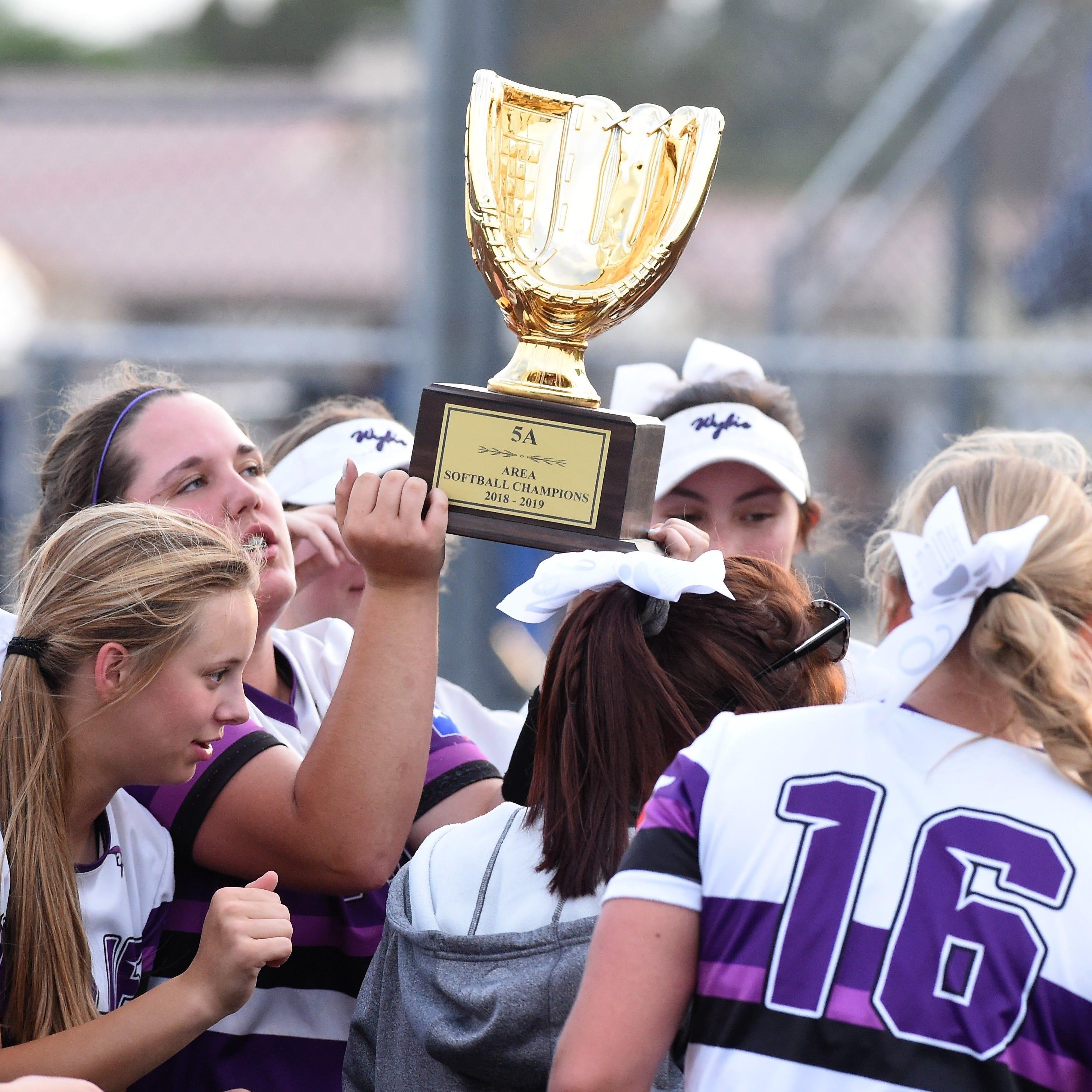 Buck blasts Abilene Wylie softball past El Paso Eastwood, into Region I-5A quarterfinals