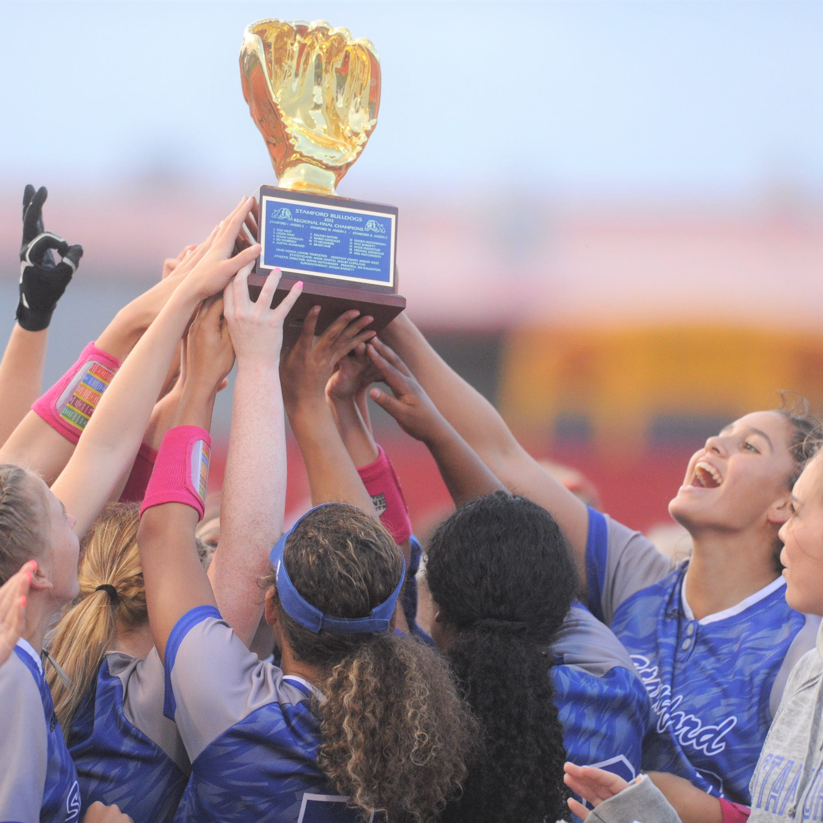 Stamford, Citlaly Gutierrez dispatch Miles in softball area playoff