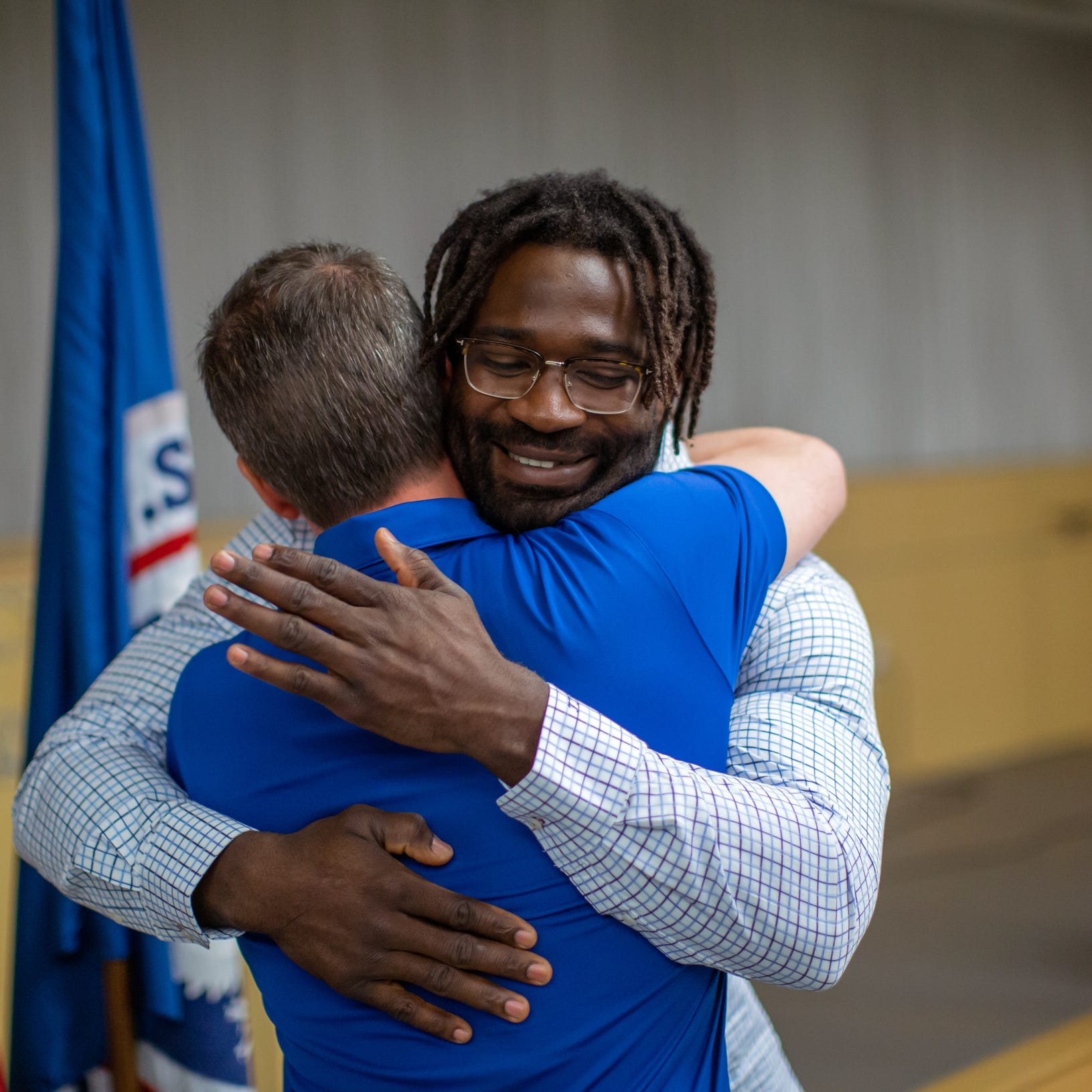 This Detroit Lion fulfills late father's wish, becomes U.S. citizen