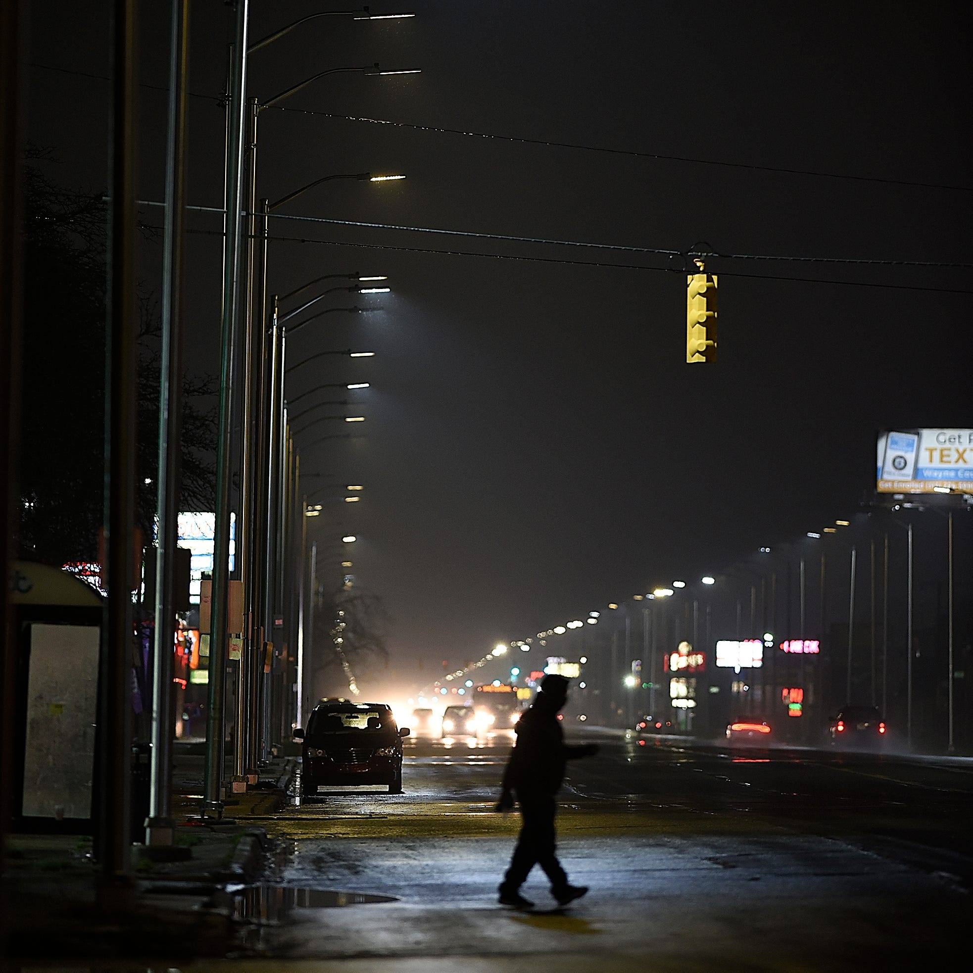 Detroit's LED streetlights going dark after a few years