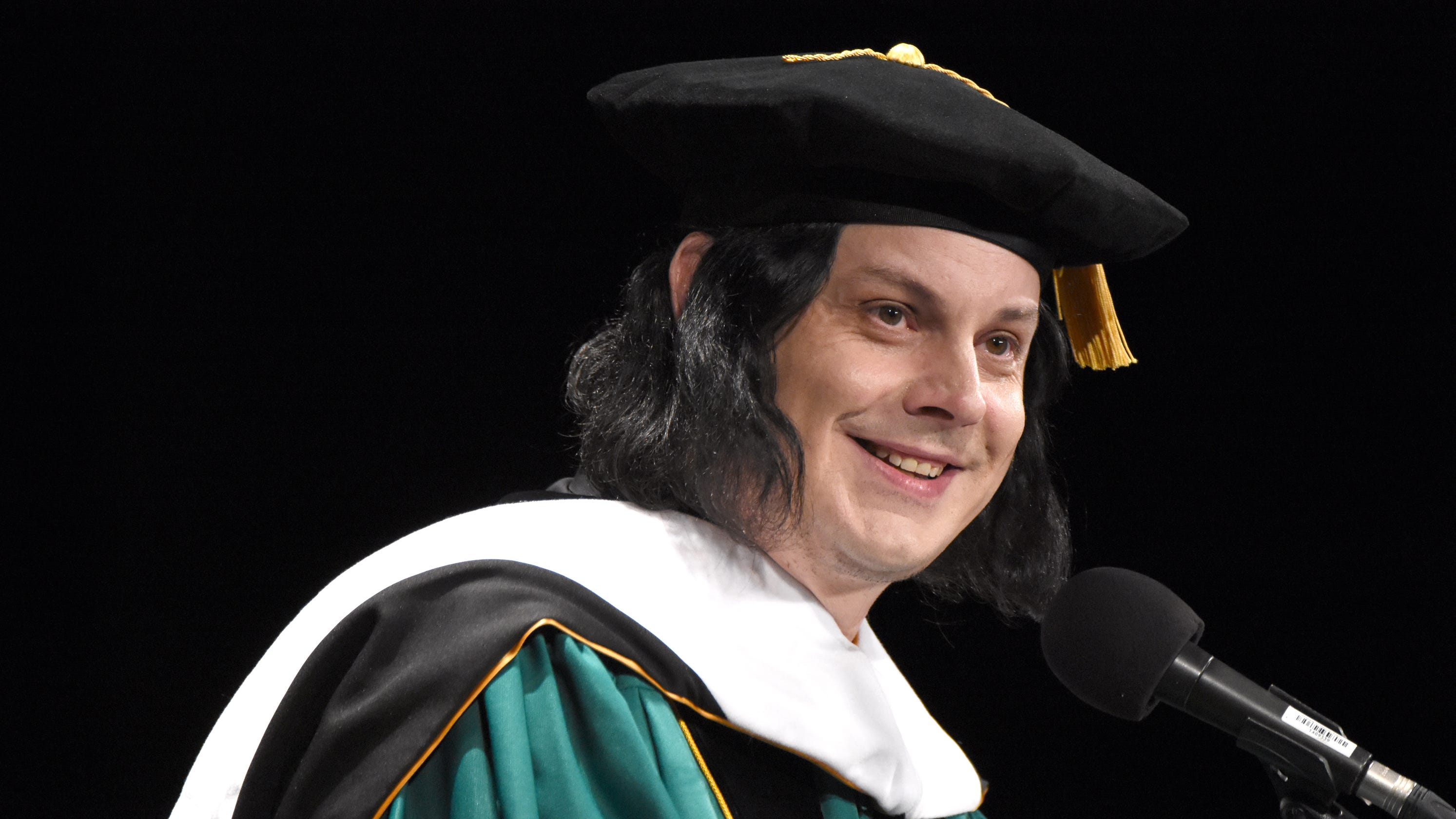 Rocker Jack White receives honorary doctorate from Wayne State