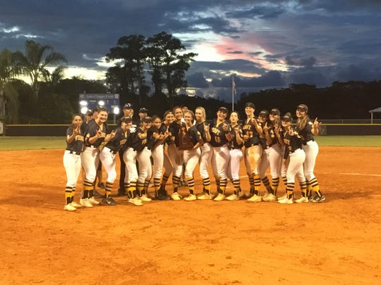 Bishop Verot won its eighth straight district title on Thursday with a 10-0 win over Oasis.