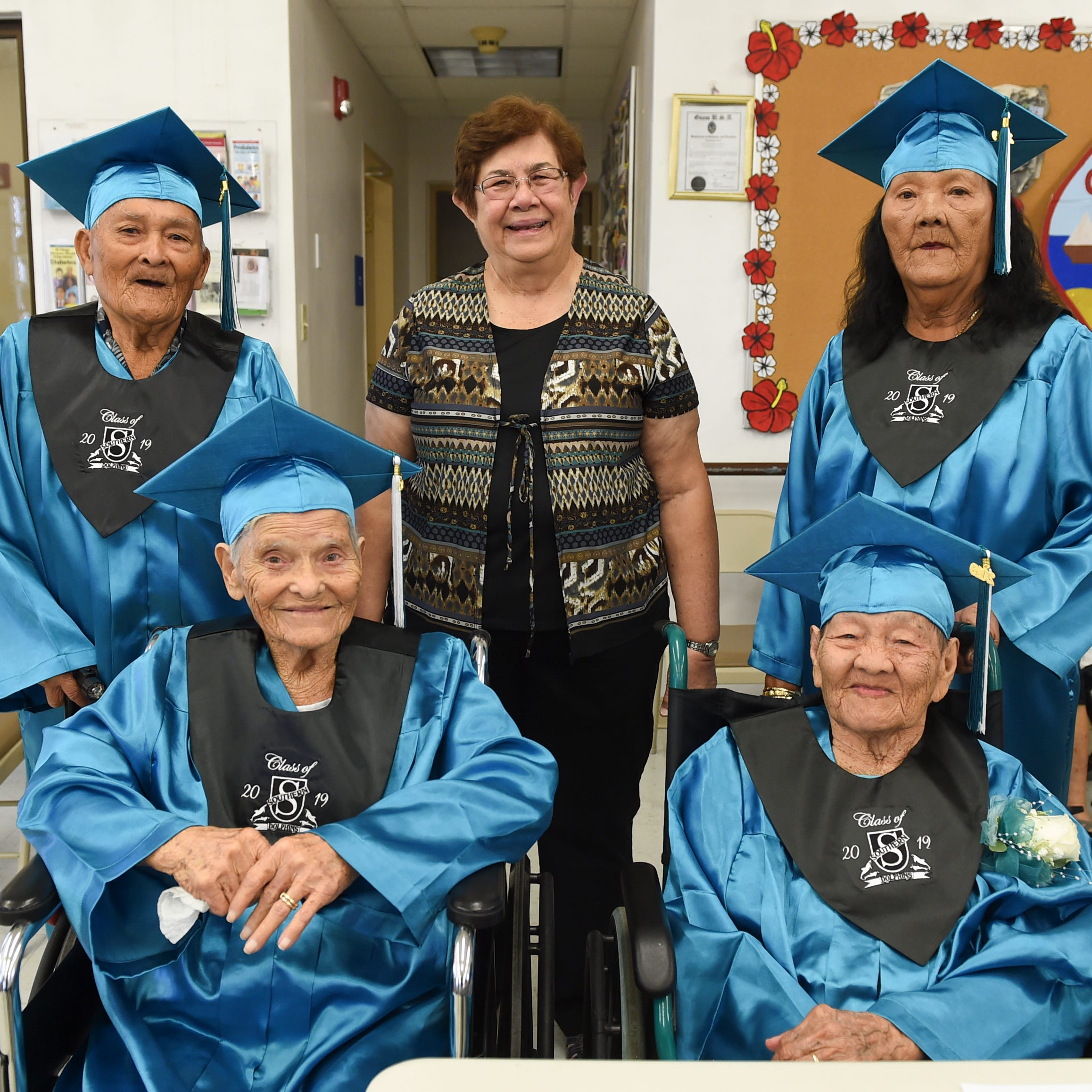 Four manamko' receive honorary diplomas