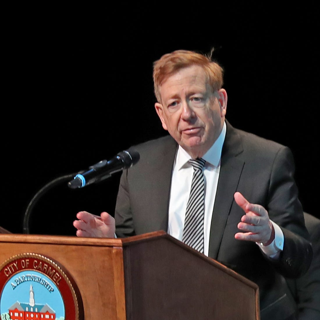 Democrats plan to challenge Jim Brainard for his Carmel mayor seat this fall