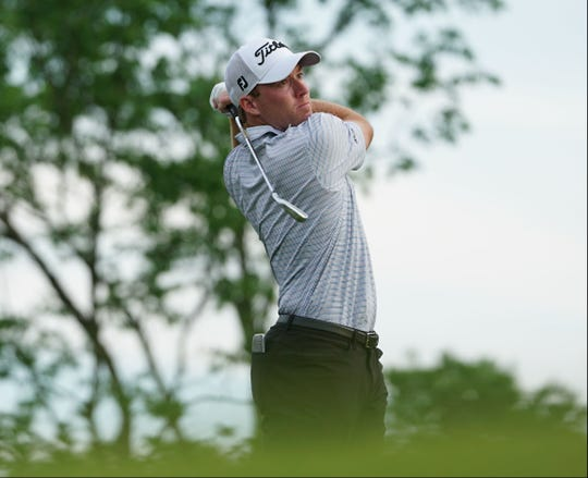 Former Alabama golfer Robby Shelton took the first round lead in the Web.com Tour Nashville Golf Open Friday at Nashville Golf and Athletic Club.