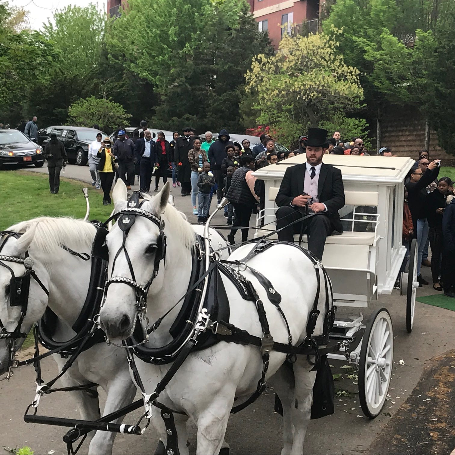 Passaic community leader John Willis gets horse-drawn funeral service