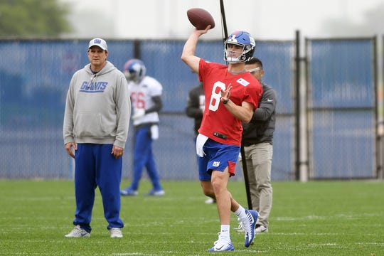 #8 QB Daniel Jones throws a pass during New York Giants Rookie Minicamp at the Quest Diagnostics Training Center on Friday, May 3, 2019.