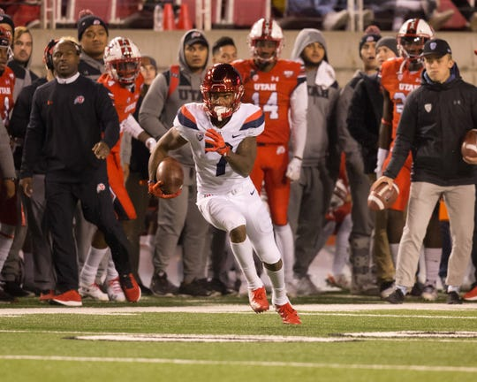 Redshirt juniorDevaughn Cooper, who averaged 20.4 yards per reception last season, was dismissed from the team, the Arizona athletic department reported Friday.