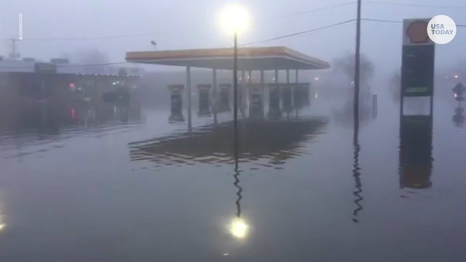 After Rains Fog Rolls Into Madison >> Mississippi River Hits Record High Flooding Iowa Street