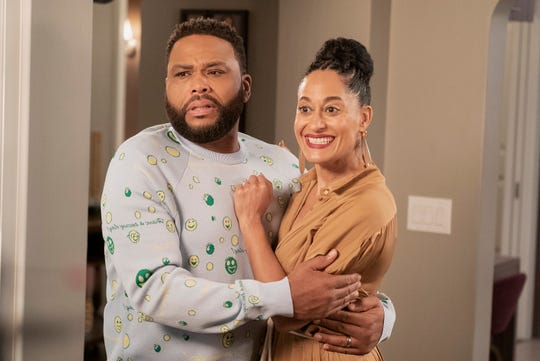 """BLACK-ISH - """"Is It Desert or Dessert"""" - Dre has concerns about Jack and Diane spending the weekend with their friends' family in the desert. Meanwhile, Pops is forced to come to terms with how he treats women after he helps set Junior up on """"black-ish,"""" TUESDAY, MAY 14 (9:00-9:30 p.m. EDT), on The ABC Television Network. (ABC/Kelsey McNeal)ANTHONY ANDERSON, TRACEE ELLIS ROSS"""