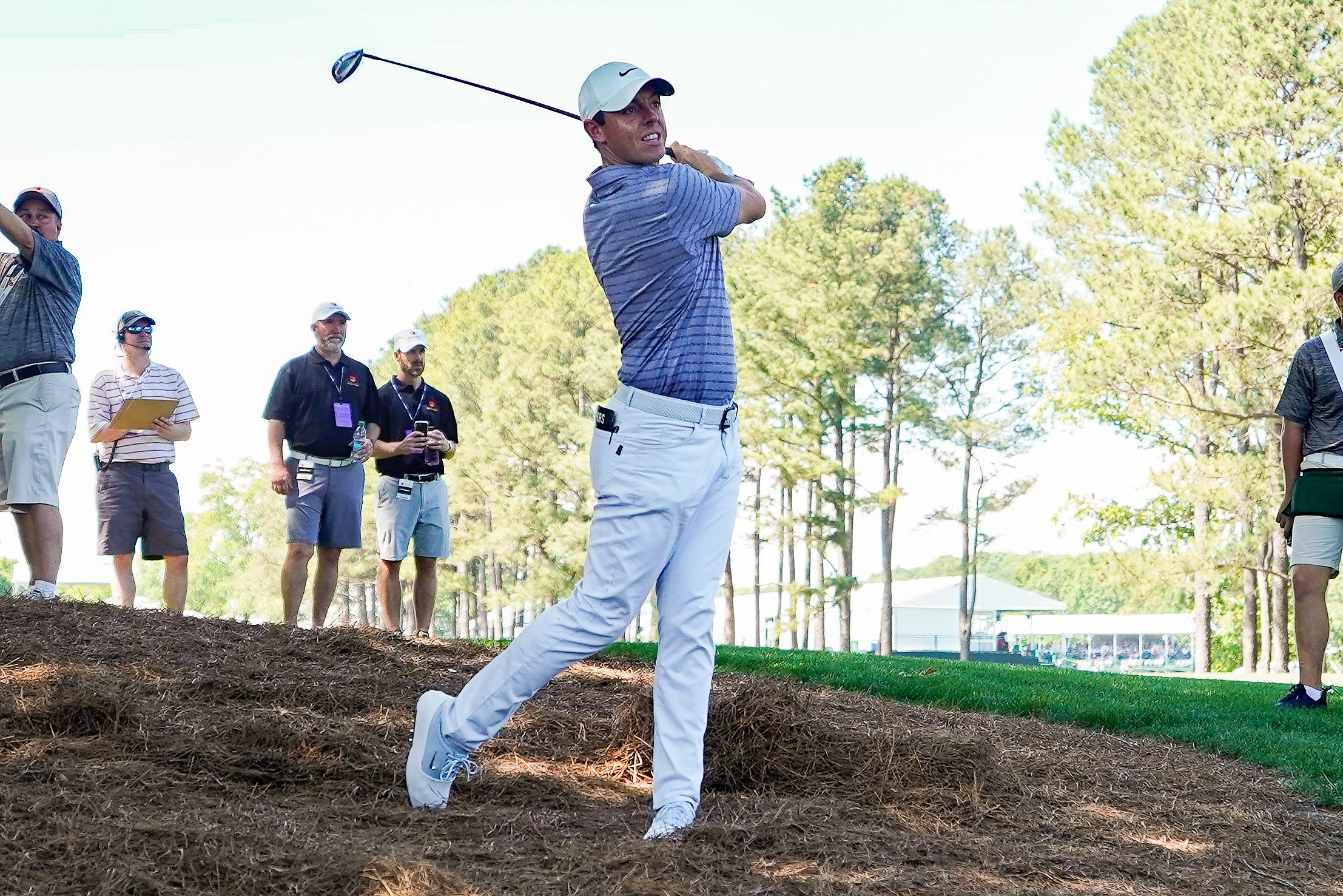 Rory McIlroy in a familiar place atop Wells Fargo Championship leaderboard