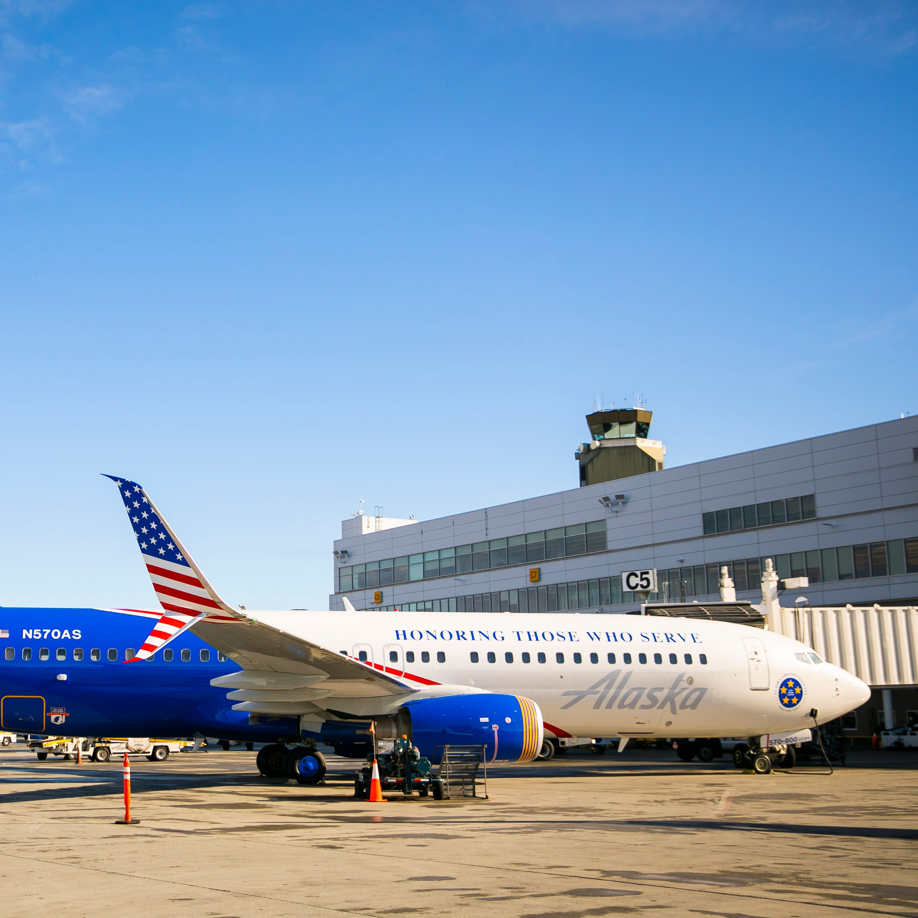 Alaska Airlines rolled out a military-themed livery this week ahead of an honor flight for veterans from Alaska to Washington, D.C. The patriotic paint scheme is on a 737-800 ETOPS aircraft.