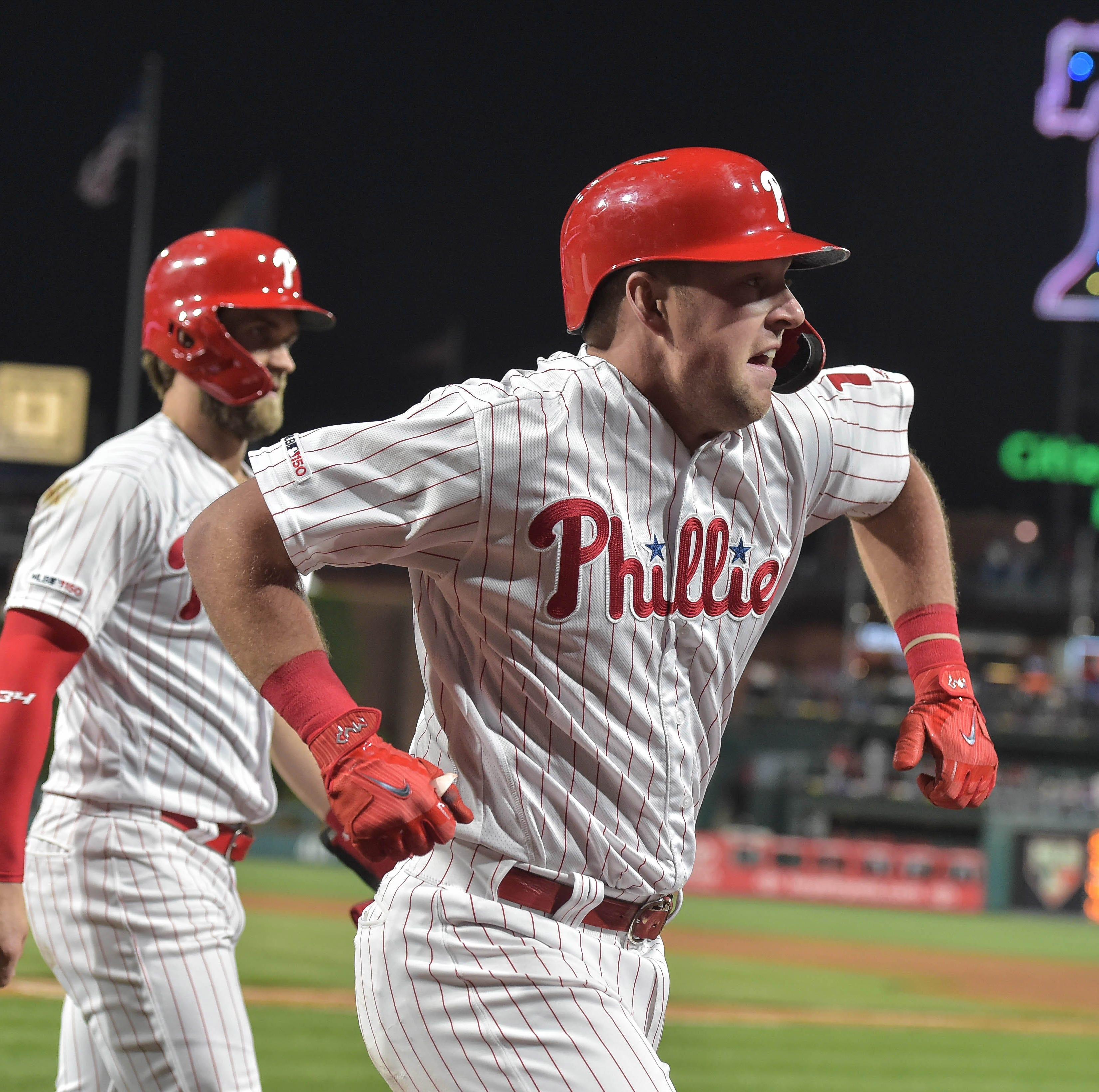 Hoskins homers in clutch again as Phils pick up win over Nats