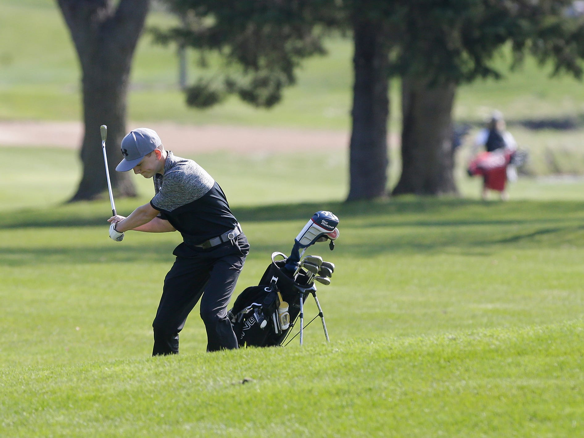 Toren Holtz of Mosinee High School competes in the Fond du Lac High School golf invite Saturday, May 4, 2019 at Rolling Meadows Golf Course in Fond du Lac, Wis. Doug Raflik/USA TODAY NETWORK-Wisconsin