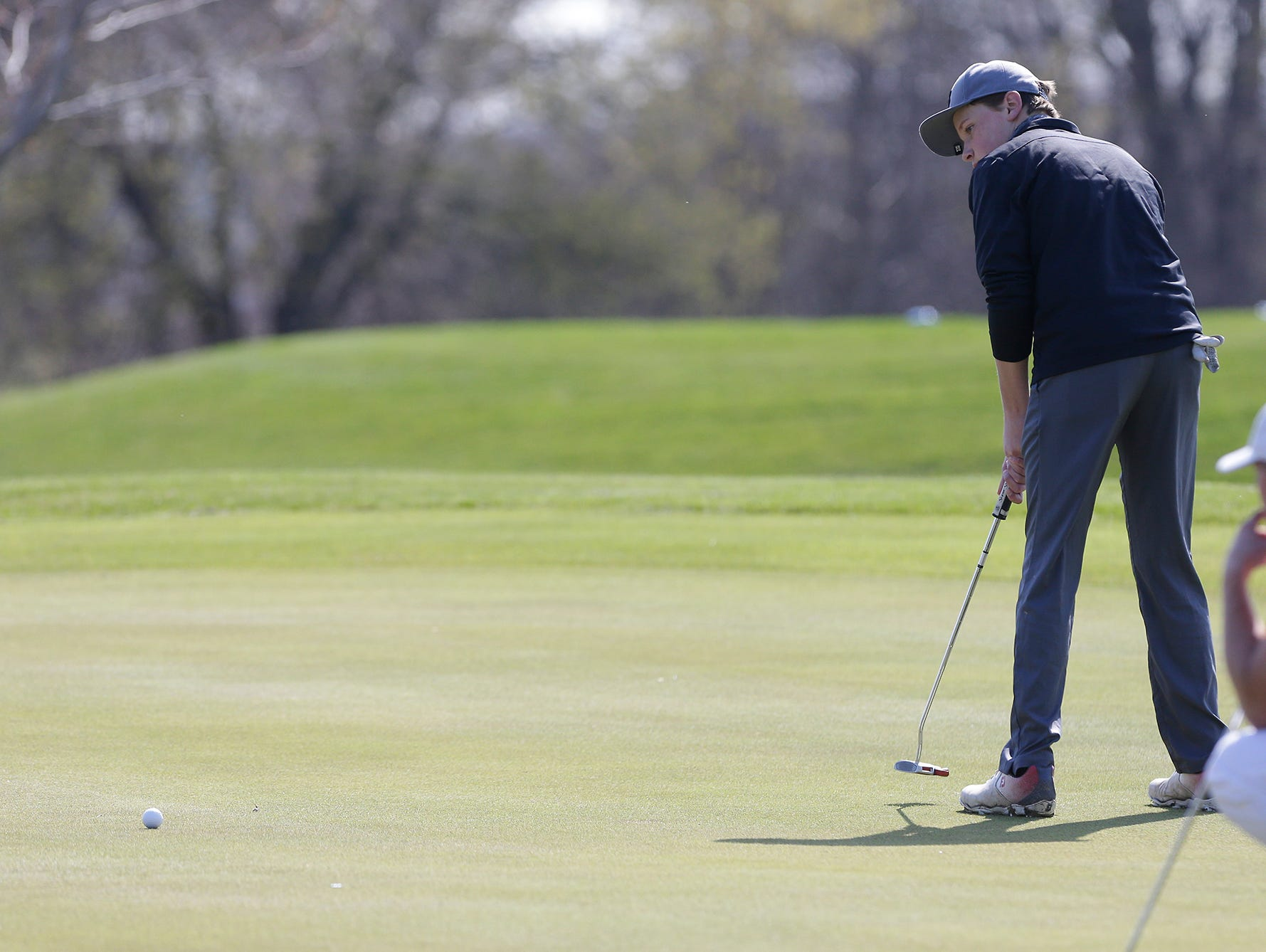 Parker Craft of Mosinee High School competes in the Fond du Lac High School golf invite Saturday, May 4, 2019 at Rolling Meadows Golf Course in Fond du Lac, Wis. Doug Raflik/USA TODAY NETWORK-Wisconsin