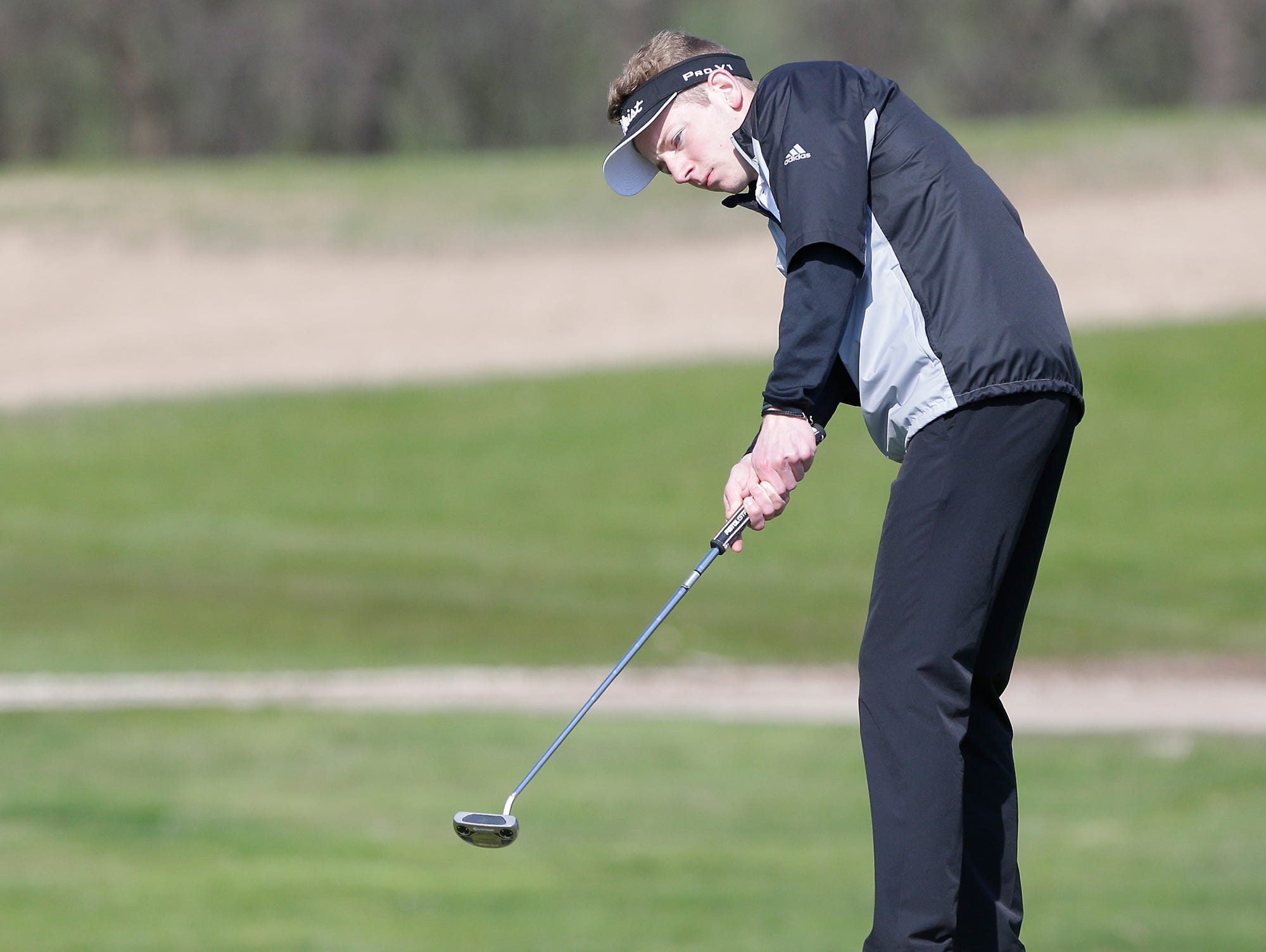 Kyle Kahl of Fond du Lac High School competes in the Fond du Lac High School golf invite Saturday, May 4, 2019 at Rolling Meadows Golf Course in Fond du Lac, Wis. Doug Raflik/USA TODAY NETWORK-Wisconsin