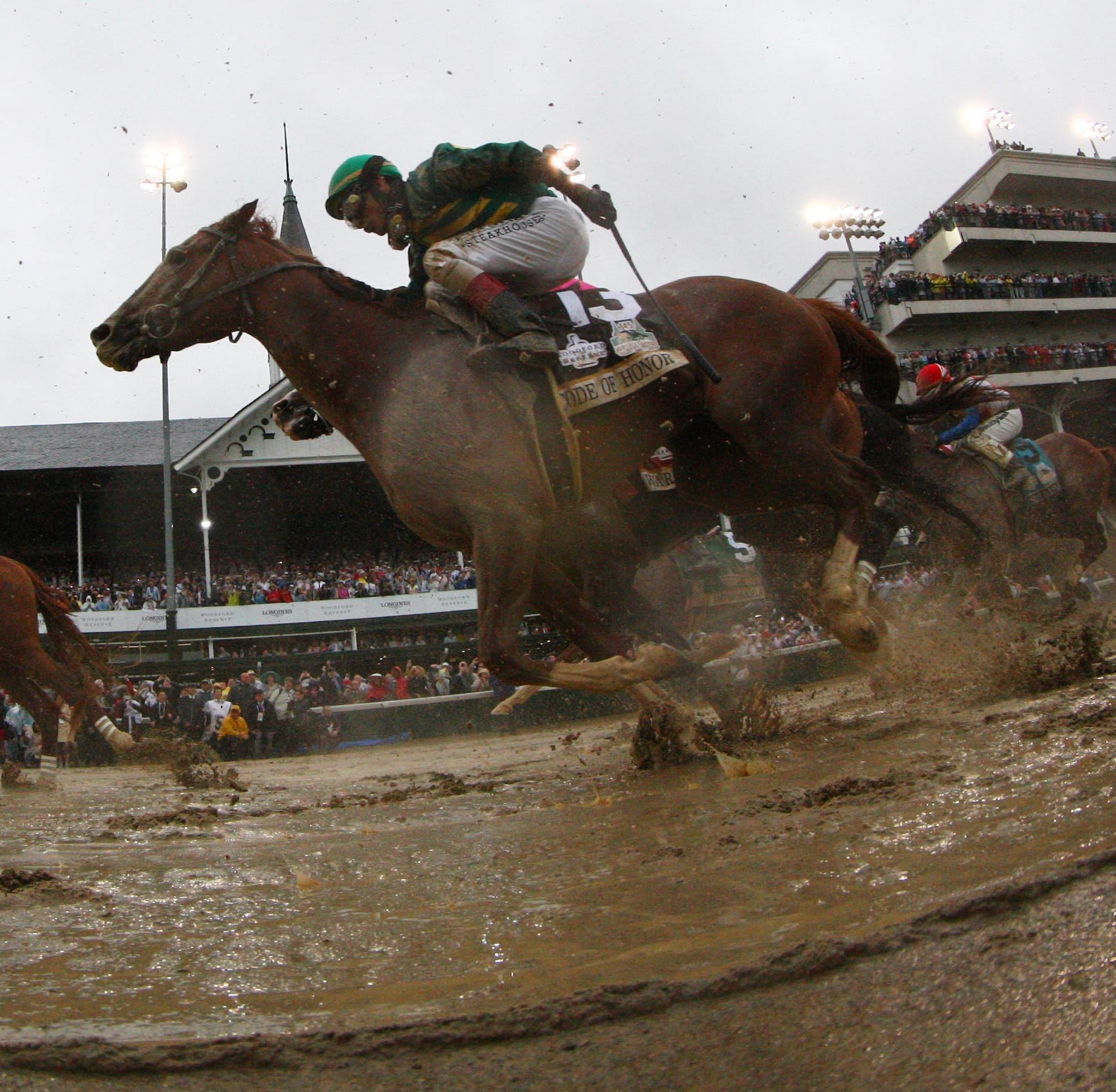 Twitter reacts to Kentucky Derby drama between Country House and  Maximum Security
