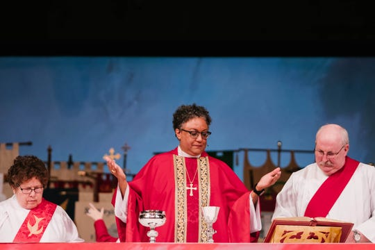 Rev. Phoebe Roaf leads the congregation in her first communion as Bishop of the Diocese of West Tennessee.