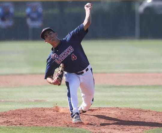 Andrew Pinedo of La Quinta pitches against Temescal Canyon, May 3, 2019.
