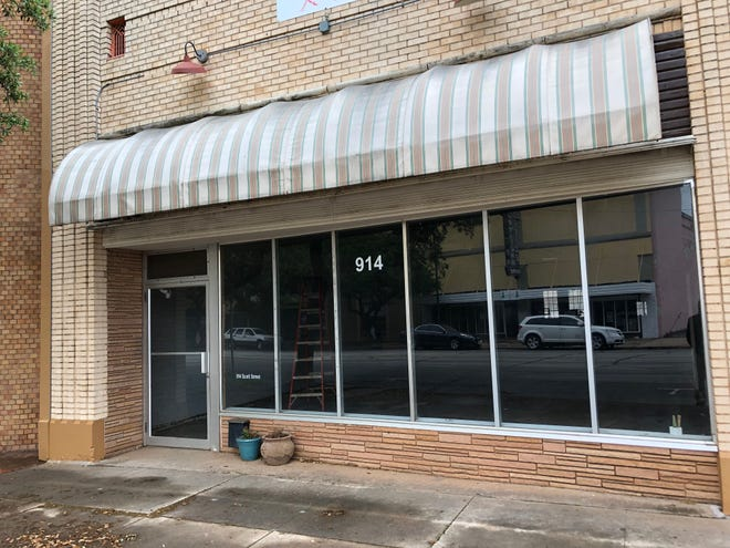New owners Lloyd Lovely and Jana Hausburg aim to turn a 6,000-square-foot space at 914 Scott Ave. into a yoga/exercise studio and private residence. The 4B Board approved some funding for the exercise studio portion of the project.