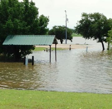 Montague County hit with heavy rains, Lake Amon G. Carter closed
