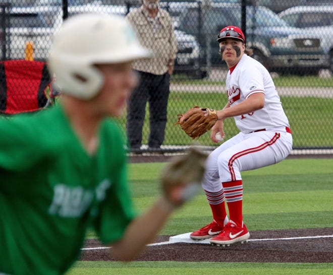 Holliday's Blake Lindemann gets the force out at third and decides to hold the ball against Paradise in Game 1 Friday, May 3, 2019, in Iowa Park. The Eagles defeated the Panthers 5-4.