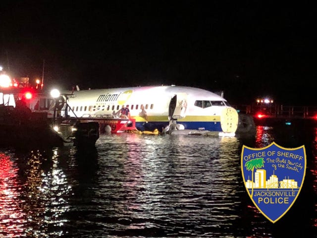 boeing flight in florida rams into river diving off of runway