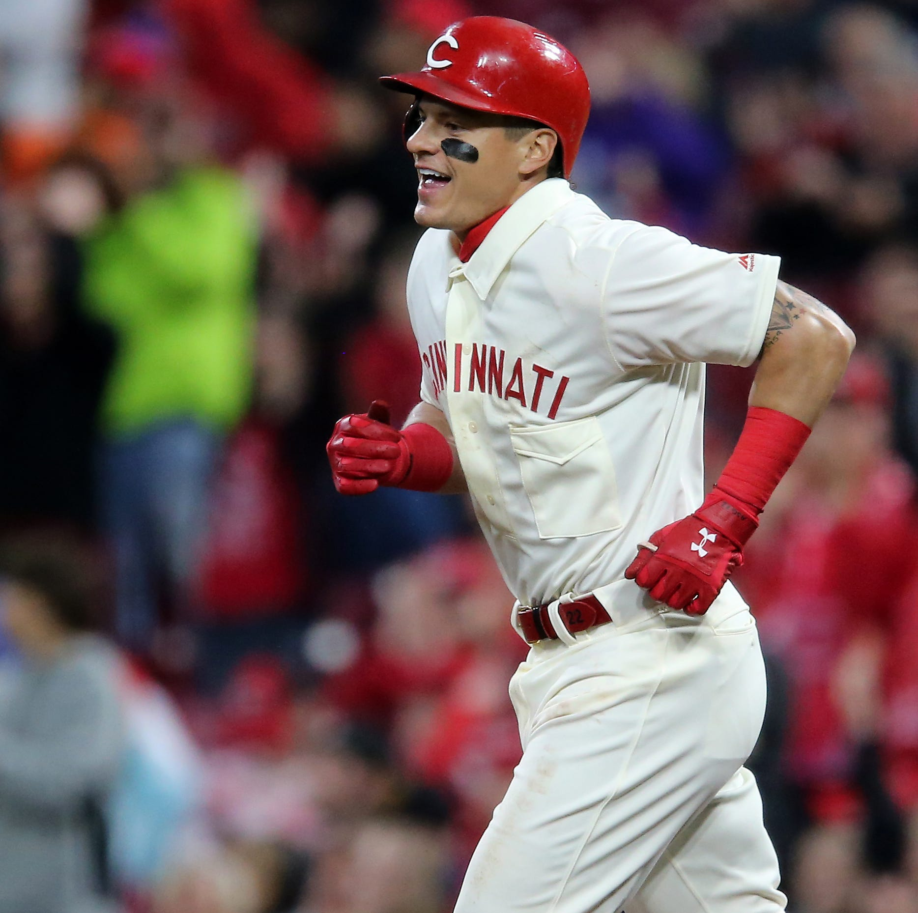 Cincinnati Reds hit back-to-back-to-back homers on 3 straight pitches against Giants