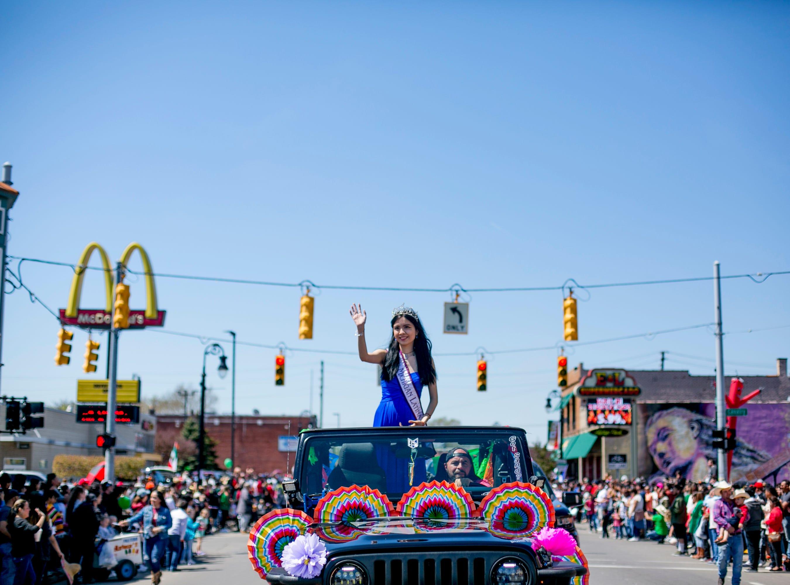 Miss Michigan Latina Fernanda Gonzalez rides in the the 55th Annual Cinco de Mayo parade.