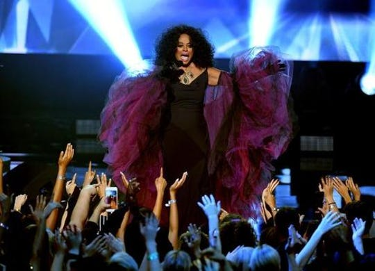 """In a series of tweets on Sunday, the Motown legend says she blames the Transportation Security Administration for an """"over the top!!"""" screening at the New Orleans airport. She said it makes her want to cry."""
