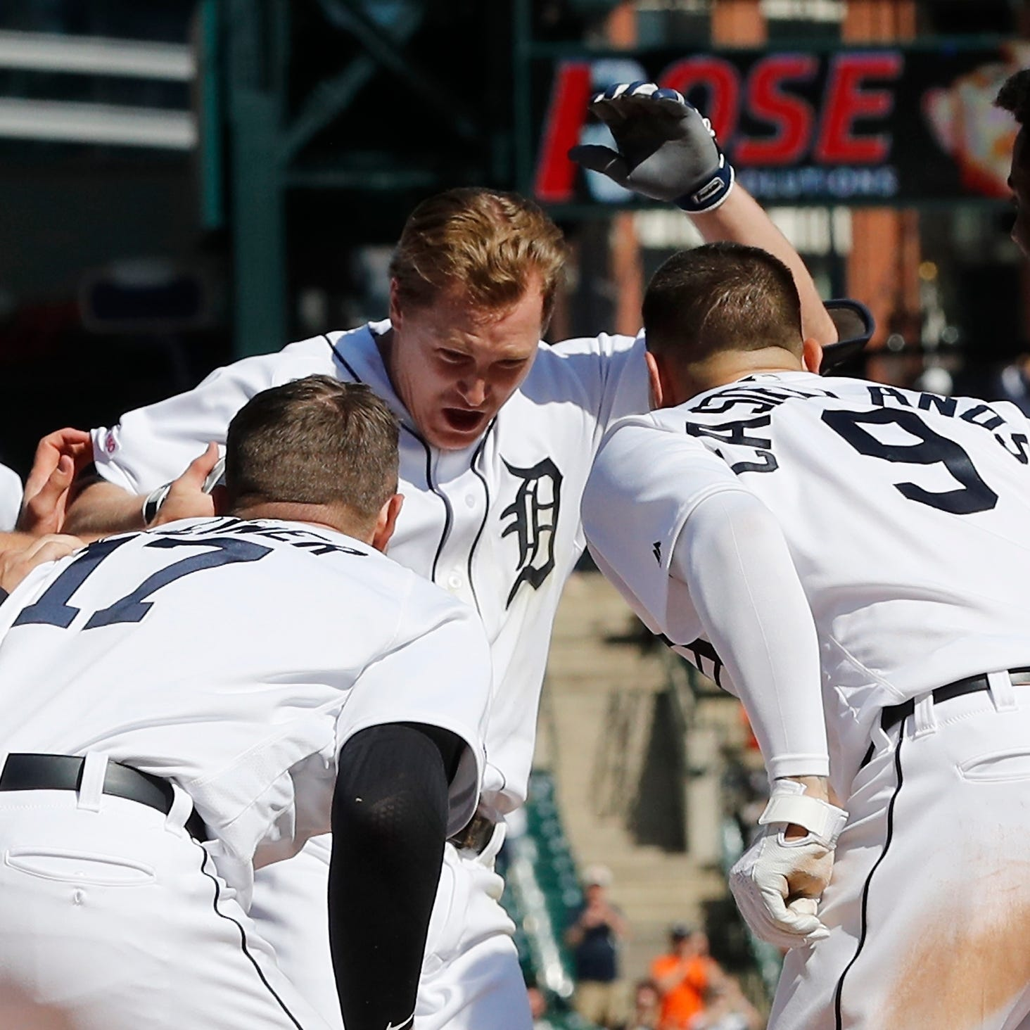 'Unreal': Brandon Dixon's walk-off blast helps Tigers take series against Royals