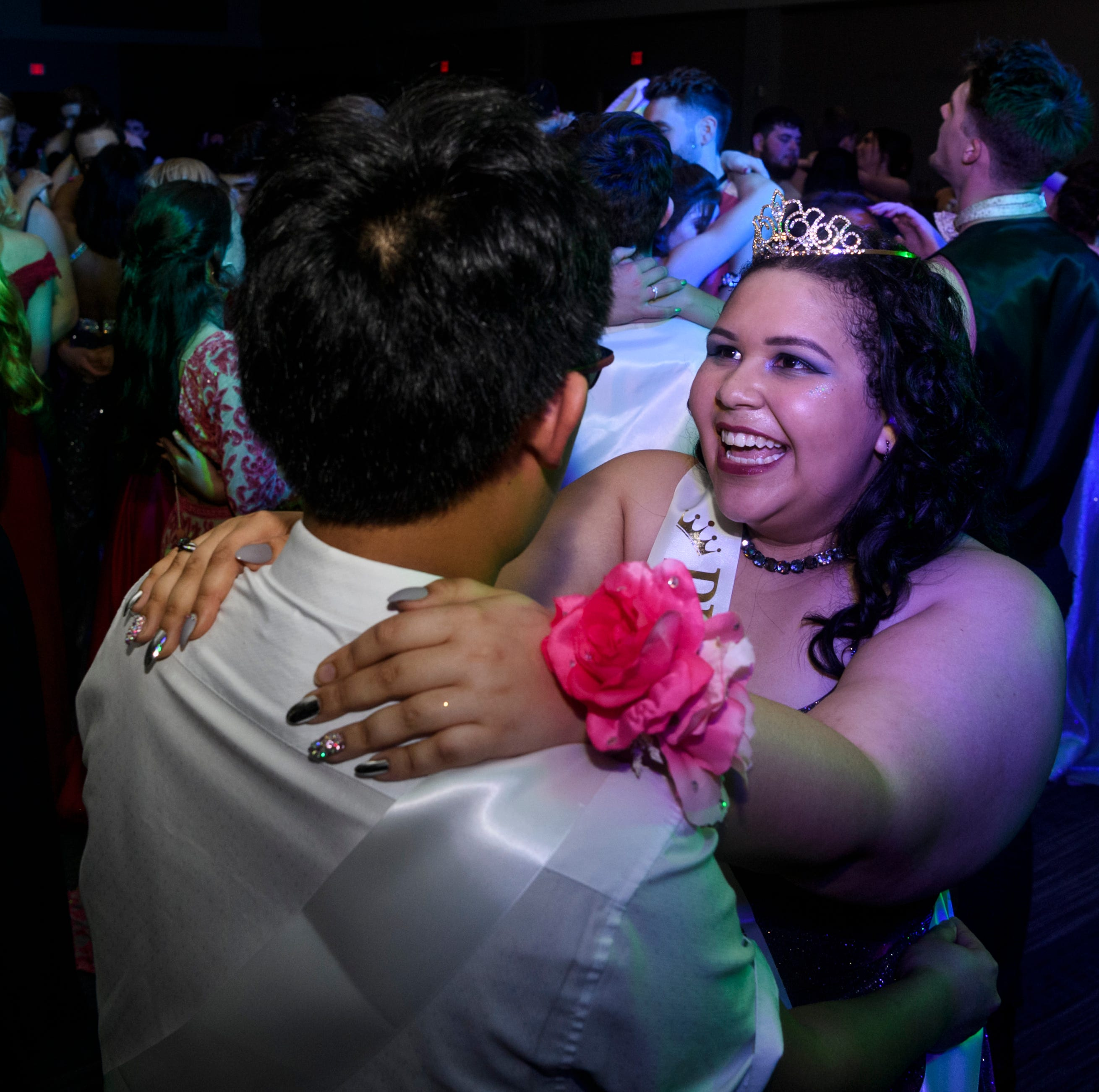 The 27 best photos from Mount Vernon High's prom 2019
