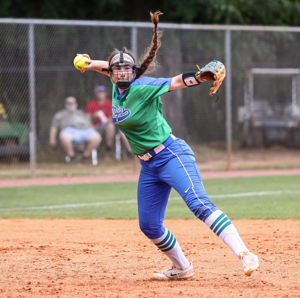 No. 2 UWF pushed to elimination bracket after two-hit loss to Augustana