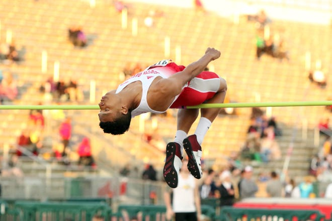 Zack Anderson of USD competes on the U-C Mens High Jump at Howard Wood on Friday in Sioux Falls.