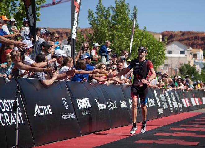 Atlet dari seluruh dunia berkompetisi di St.George Ironman Sabtu, 4 Mei 2019.