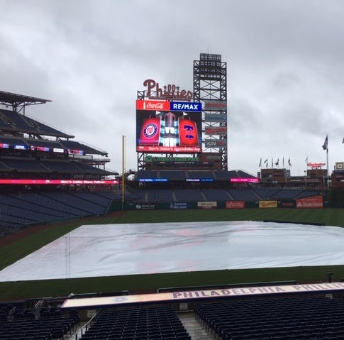 Rain threatens Phillies-Nationals series finale but it's on; Here's Phils' batting order