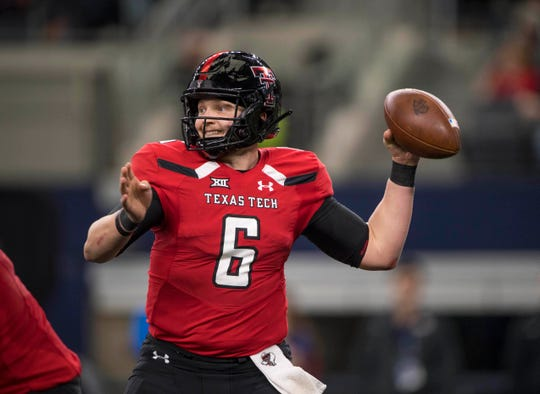 Nov 24, 2018; Arlington, TX, USA; Texas Tech Red Raiders quarterback McLane Carter (6) passes against the Baylor Bears during the game at AT&T Stadium. Mandatory Credit: Jerome Miron-USA TODAY Sports
