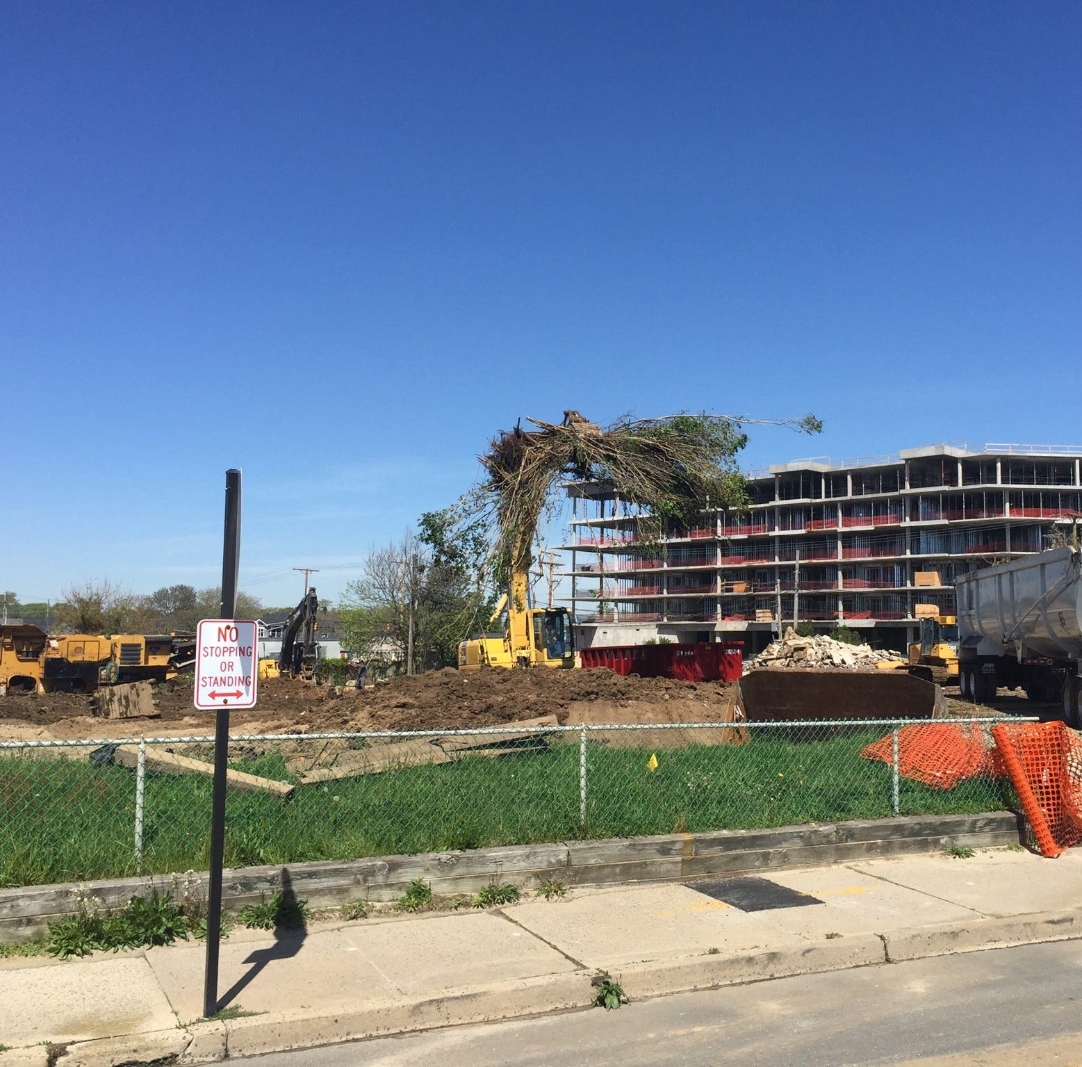 Kushner demolishes buildings for Onada Surf Club, next Long Branch resort