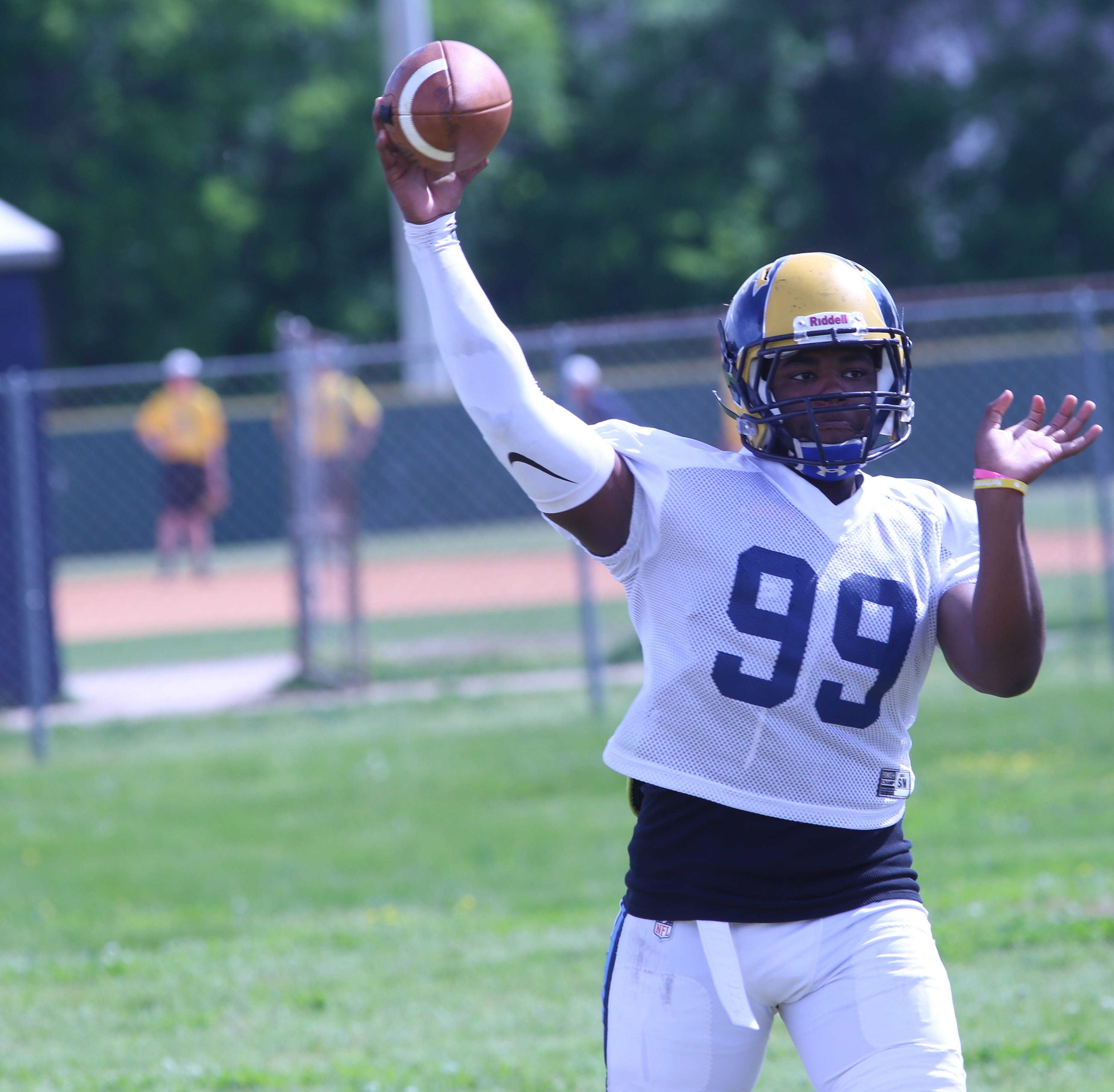 Six football programs to feature new QBs when 2019 season begins