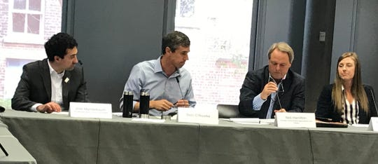 Former Texas Congressman Beto O'Rourke with (left to right) Des Moines City Councilman Josh Mandelbaum, outgoing Drake Agricultural Law Center director Neil Hamilton and Makenzie Heddens or Power up Iowa, part of the American Wind Energy Association.