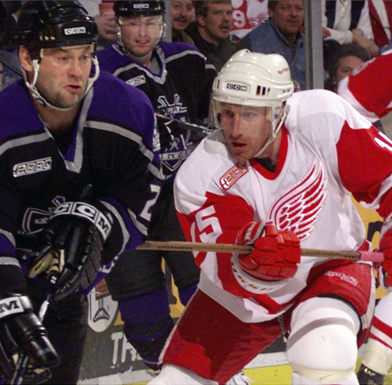 Detroit Red Wings' Steve Yzerman makes first hire: Pat Verbeek as assistant GM