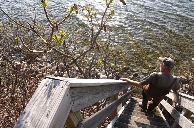 A U.S. Army Corps of Engineers report released Monday says the lakes have been rising steadily for several years and are getting an extra boost as winter's melting snow mingles with recent heavy rainfall.