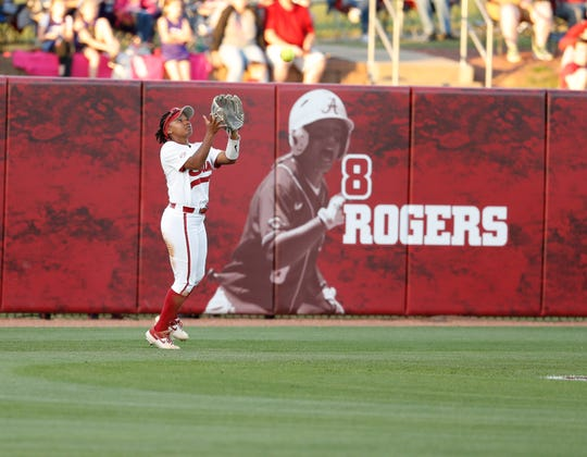 Alabama junior centerfielder Elissa Brown (1) readies to catch a pop fly during a game against Kentucky on April 26, 2019 at Rhoads Stadium (Photo by Amelia B. Barton/Alabama athletics)