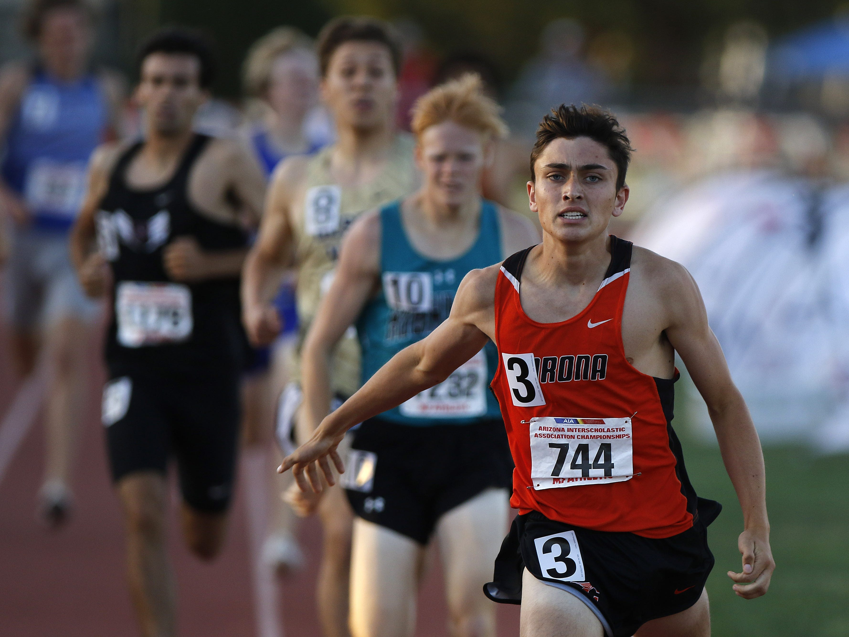 Corona del Sol's Bennett Gunning wins the Division I 800 meters championship during the 2019 Arizona State Track and Field Championship at Mesa Community College in Mesa, Arizona, May 04, 2019.